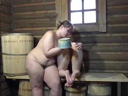 Irina fucking ass Natasha bucket in the bath!